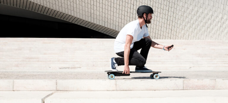 Maintaining Proper Skateboard Stance While Looking Forward
