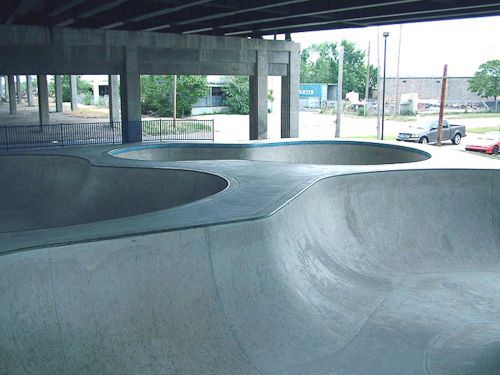 Wichita Skatepark - Skateboard Bowl