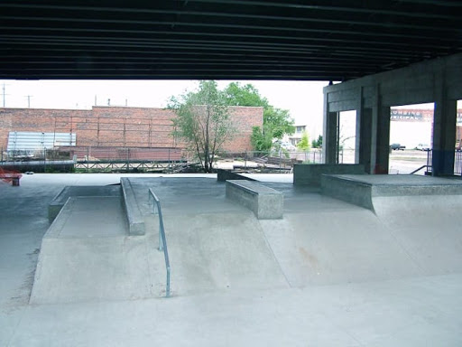 Wichita Skatepark - Skateboard fun boxes and Skating Ledges